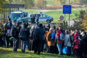 إيطاليا تدفق اللاجئين